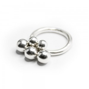 Restock Brugerdi Sisters ring at MONOQI by Opium Jewelry